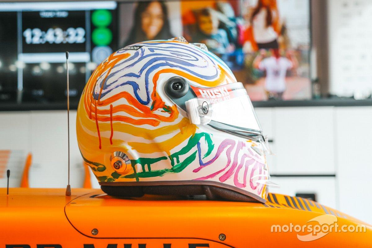 El casco especial de Carlos Sainz Jr., McLaren en Nürburgring