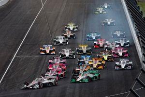 Will Power, Team Penske Chevrolet leads the field to the green flag, Colton Herta, Andretti Harding Steinbrenner Autosport Honda, Alexander Rossi, Andretti Autosport Honda