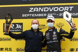 Caio Collet celebra vitória em Zandvoort
