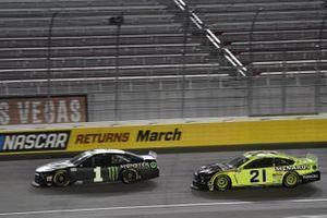 #1: Kurt Busch, Chip Ganassi Racing, Chevrolet Camaro Monster Energy #21: Matt DiBenedetto, Wood Brothers Racing, Ford Mustang Menards/Duracell