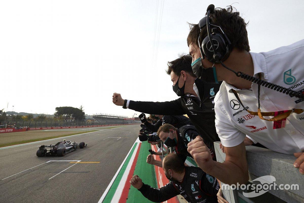 Segundo lugar Valtteri Bottas, Mercedes F1 W11