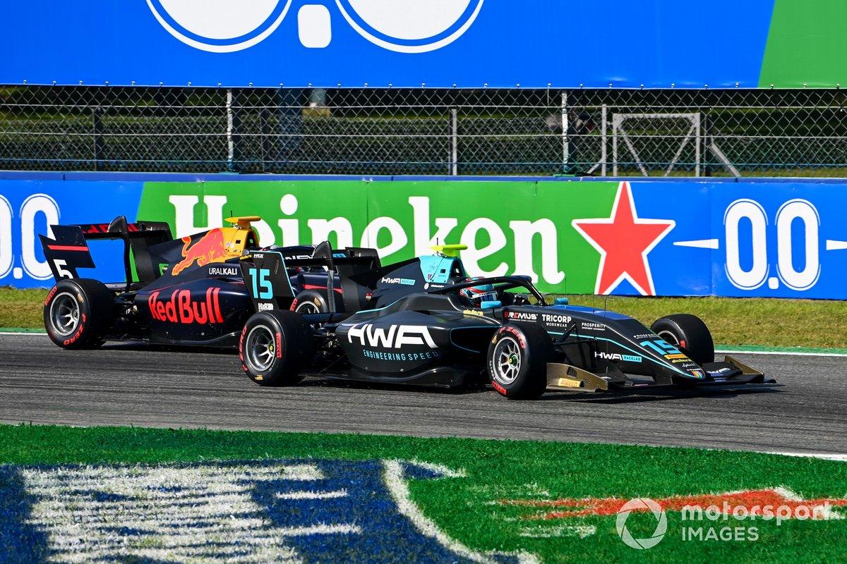 Jake Hughes, HWA Racelab y Liam Lawson, Hitech Grand Prix battle