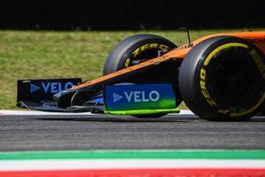 Vernice Flow-viz sull'ala anteriore della McLaren MCL35