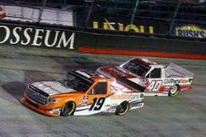 Derek Kraus, McAnally Hilgemann Racing, Toyota Tundra Incredible Bank, Carson Hocevar, Niece Motorsports, Chevrolet Silverado Scott's