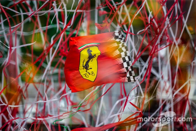 Flaga Ferrari