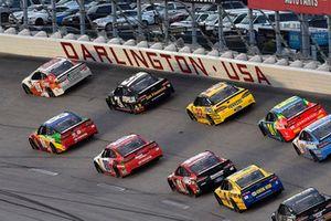 Alex Bowman, Hendrick Motorsports, Chevrolet Camaro LLumar and Kyle Busch, Joe Gibbs Racing, Toyota Camry Skittles 1998 Retro