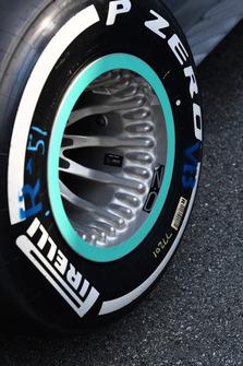 Mercedes AMG F1 W09: il cerchione