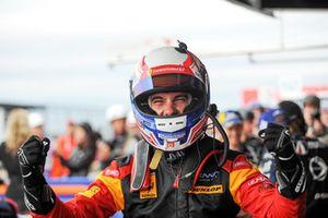 Yarış galibi GTE #66 JMW Motorsport Ferrari F488 GTE: Miguel Molina