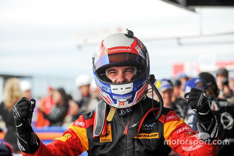 Ganador GTE #66 JMW Motorsport Ferrari F488 GTE: Miguel Molina