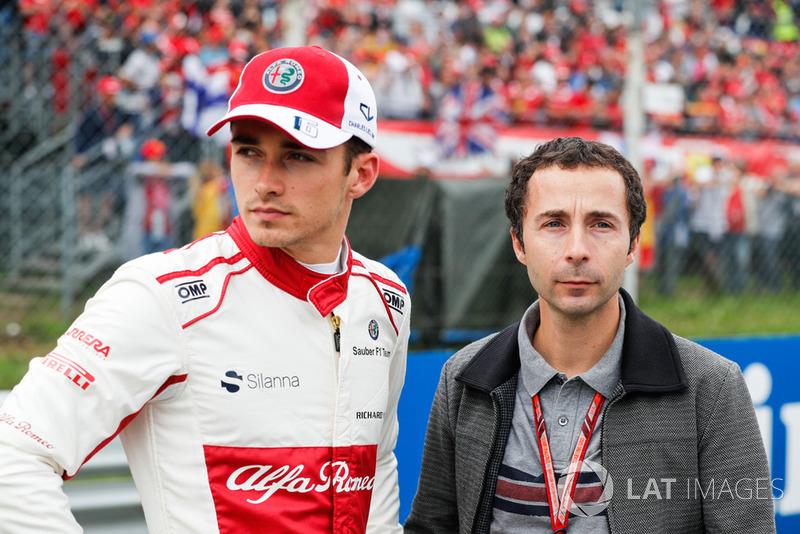 Mas não foi o que aconteceu: Leclerc acabou confirmado no lugar de Raikkonen e será o segundo piloto mais jovem da história da Ferrari - atrás de Ricardo Rodriguez, que tinha 19 anos em 1961.