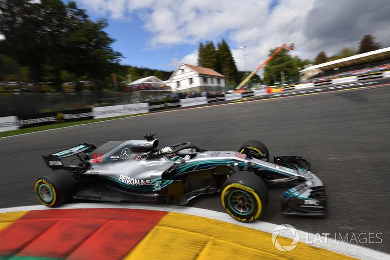 1. Льюис Хэмилтон, Mercedes AMG F1 W09 – 1:58.179