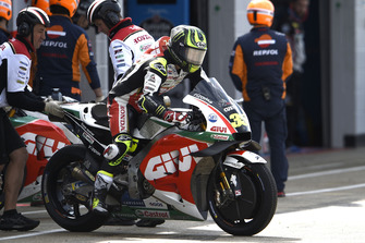Cal Crutchlow, Team LCR Honda, cambio moto
