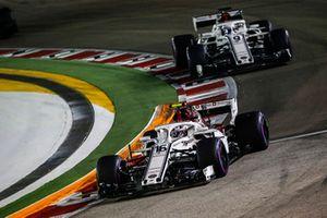 Charles Leclerc, Sauber C37 et Marcus Ericsson, Sauber C37