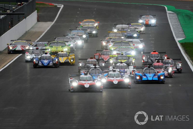Inicio, #7 Toyota Gazoo Racing Toyota TS050: Mike Conway, Kamui Kobayashi, Jose Maria Lopez