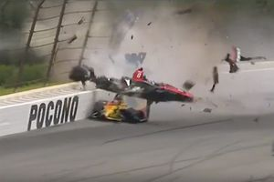 Robert Wickens, Schmidt Peterson Motorsports Honda and Ryan Hunter-Reay, Andretti Autosport Honda crash