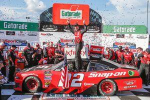 Brad Keselowski, Team Penske, Ford Mustang Snap-On in victory lane