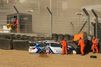 Crash of Ashley Sutton, Team BMR Subaru Levorg