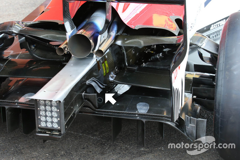 Sauber C37 rear winglets detail