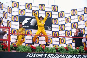 Podium: Race winner Damon Hill, Jordan 198, second place Ralf Schumacher, Jordan 198