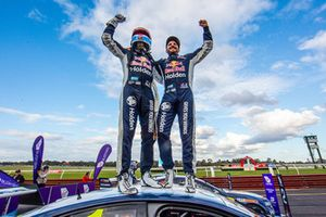 Yarış galibi Jamie Whincup, Paul Dumbrell, Triple Eight Race Engineering Holden