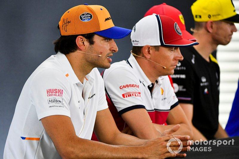 Carlos Sainz Jr., McLaren, Kimi Raikkonen, Alfa Romeo Racing et Nico Hulkenberg, Renault F1 Team lors de la conférence de presse