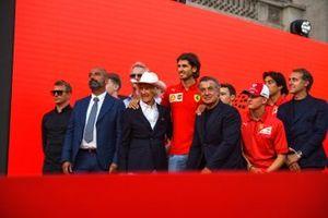 Kimi Räikkönen, Alfa Romeo, Ivan Capelli, Arturo Merzario, Antonio Giovinazzi, Alfa Romeo, Jean Alesi, Mick Schumacher y Luca Badoer