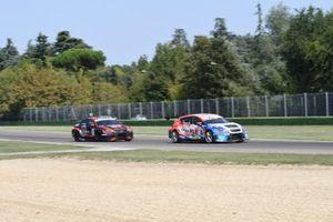 Igor Stefanovski, Cupra TCR, davanti a Jacopo Guidetti, BF Motorsport, Audi RS 3 LMS TCR