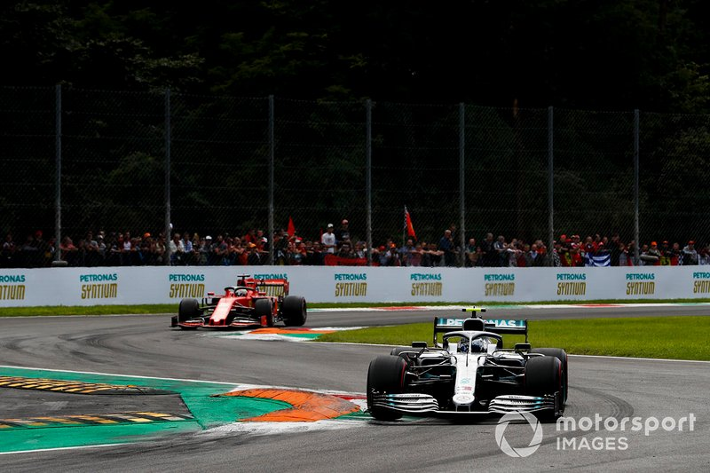 Valtteri Bottas, Mercedes AMG W10, Sebastian Vettel, Ferrari SF90