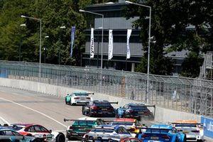 Start action, Bruno Spengler, BMW Team RMG, BMW M4 DTM, Philipp Eng, BMW Team RBM, BMW M4 DTM