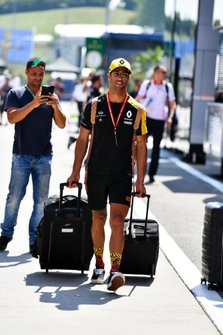 Daniel Ricciardo, Renault F1 Team arrives in the paddock his luggage