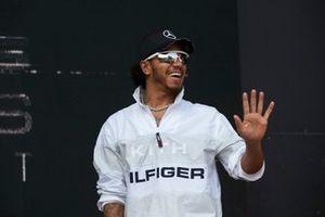 Lewis Hamilton, Mercedes AMG F1, sul palco