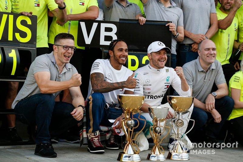 Valtteri Bottas, Mercedes AMG F1, 2nd position, Lewis Hamilton, Mercedes AMG F1, 1st position, and the Mercedes team celebrate a perfect result