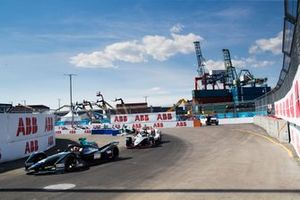 Стоффель Вандорн, HWA Racelab, Venturi VFE05, Оливер Роуленд, Nissan e.dams, Nissan IMO1, Даниэль Абт, Audi Sport ABT Schaeffler, Audi e-tron FE05, Митч Эванс, Jaguar Racing, Jaguar I-Type 3, Гэри Паффет, HWA Racelab, Venturi VFE05, Лукас ди Грасси, Audi Sport ABT Schaeffler, Audi e-tron FE05, и Эдоардо Мортара, Venturi Formula E Team, Venturi VFE05