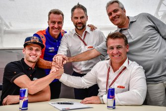 Brad Binder, Red Bull KTM Tech 3, Hervé Poncharal, team manager Red Bull KTM Tech3, Pit Beirer, directeur KTM Motorsport