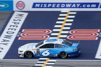 Ryan Newman, Roush Fenway Racing, Ford Mustang Wyndham Rewards