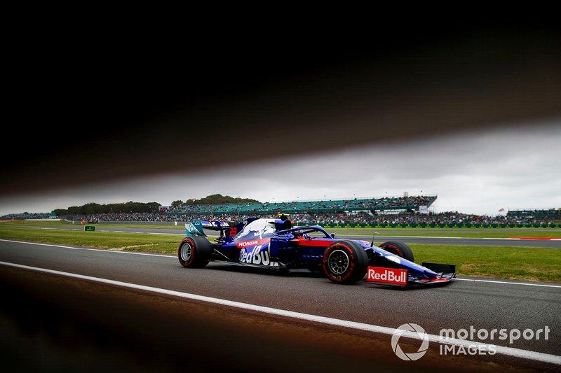 9: Alexander Albon, Toro Rosso STR14, 1'26.345