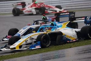 Камуи Кобаяши, carrozzeria Team KCMG, и Харрисон Ньюи, B-MAX Racing with Motopark
