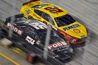 JJ Yeley, Rick Ware, Ford Mustang SLAYER and Kyle Busch, Joe Gibbs Racing, Toyota Camry M&M's
