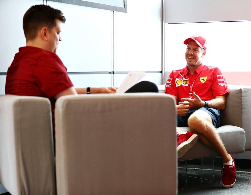 Sebastian Vettel, Ferrari met Motorsport.com journalist Filip Cleeren