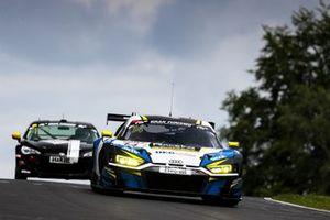 #14 RaceIng Audi R8 LMS GT3: Bernhard Henzel, Pavel Lefterov