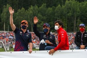 Max Verstappen, Red Bull Racing, Sergio Perez, Red Bull Racing, Carlos Sainz Jr., Ferrari, and Fernando Alonso, Alpine F1, in the drivers parade