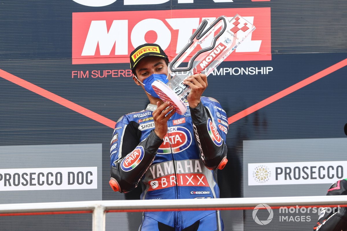 Podio: il vincitore della gara Toprak Razgatlioglu, PATA Yamaha WorldSBK Team