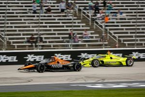 Patricio O'Ward, Arrow McLaren SP Chevrolet, Simon Pagenaud, Team Penske Chevrolet