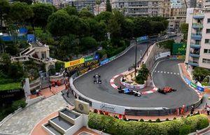 Carlos Sainz Jr., Ferrari SF21, Nicholas Latifi, Williams FW43B, en Pierre Gasly, AlphaTauri AT02