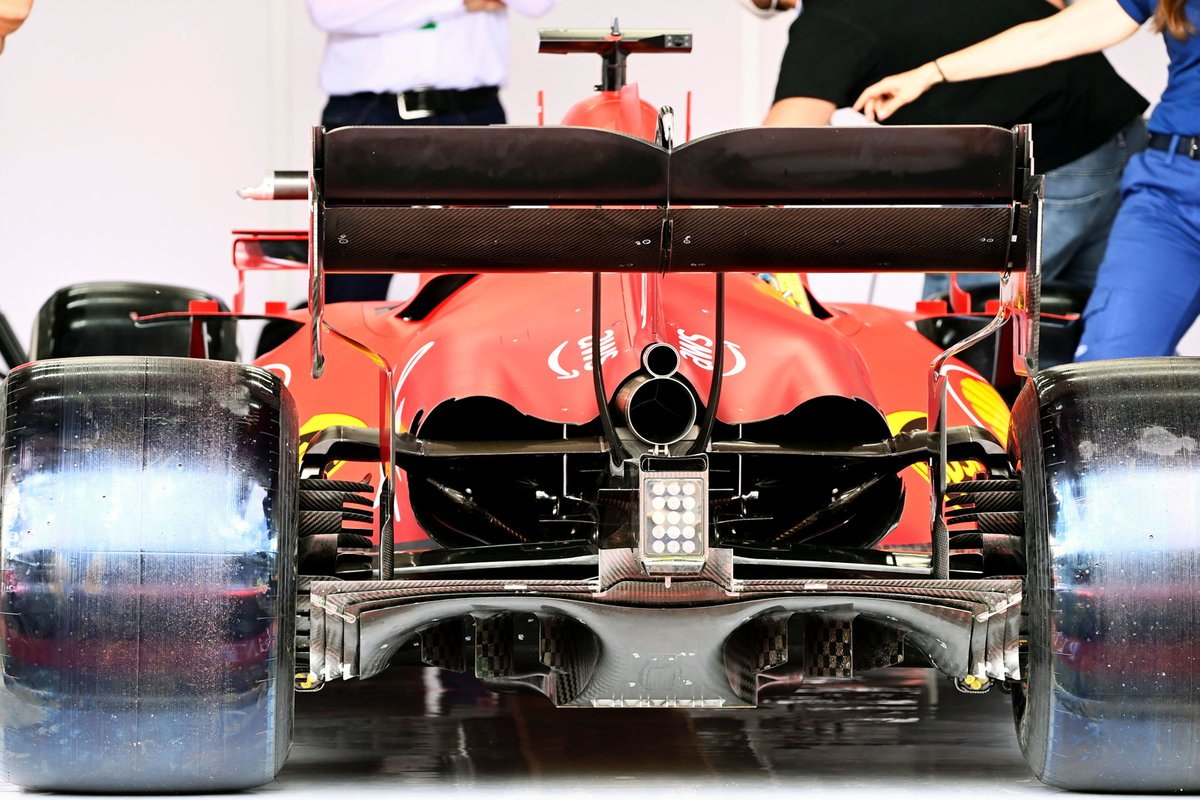 Задняя часть Ferrari SF21