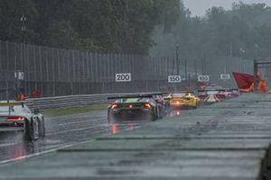 Gara 1 interrotta dalla pioggia