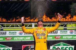 Race winner Kyle Busch, Joe Gibbs Racing, Toyota Supra Twix