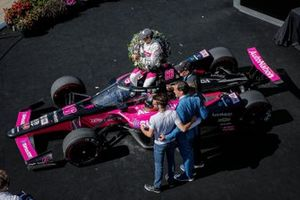 Helio Castroneves, Meyer Shank Racing Honda celebrates his victory, Doug Boles