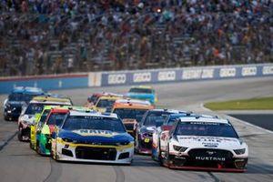 Brad Keselowski, Team Penske, Ford Mustang Discount Tire, Chase Elliott, Hendrick Motorsports, Chevrolet Camaro NAPA Auto Parts