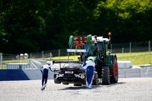 Crash: #7 Precote Herberth Motorsport Porsche 911 GT3 R: Klaus Bachler, Simona De Silvestro